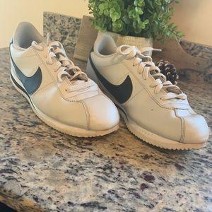 Nike's Men shoes